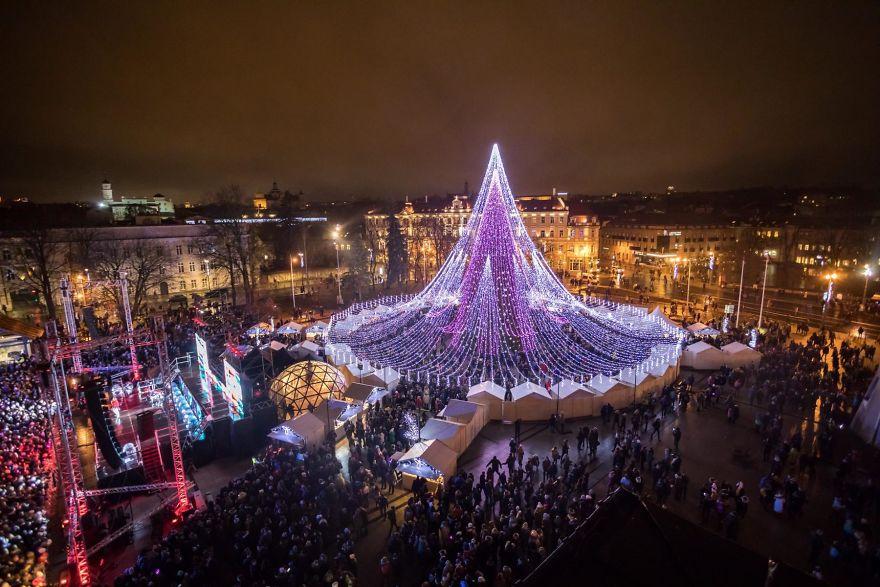 Цьогоріч столиця Литви знову може поборотися за найгарнішу ялинку / Saulius Žiūra