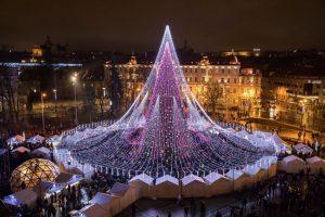 Новорічна ялинка у Вільнюсі вразила мережу: чарівні фото