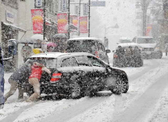 Затори у Києві через снігопад