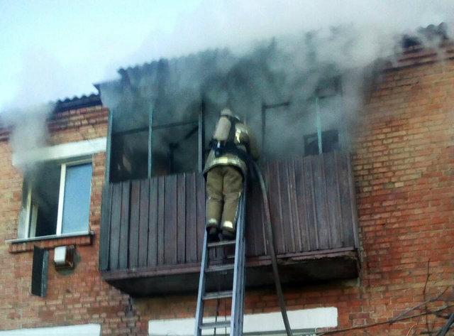 Під Києвом сталася масштабна пожежа в житловому будинку, є загиблі