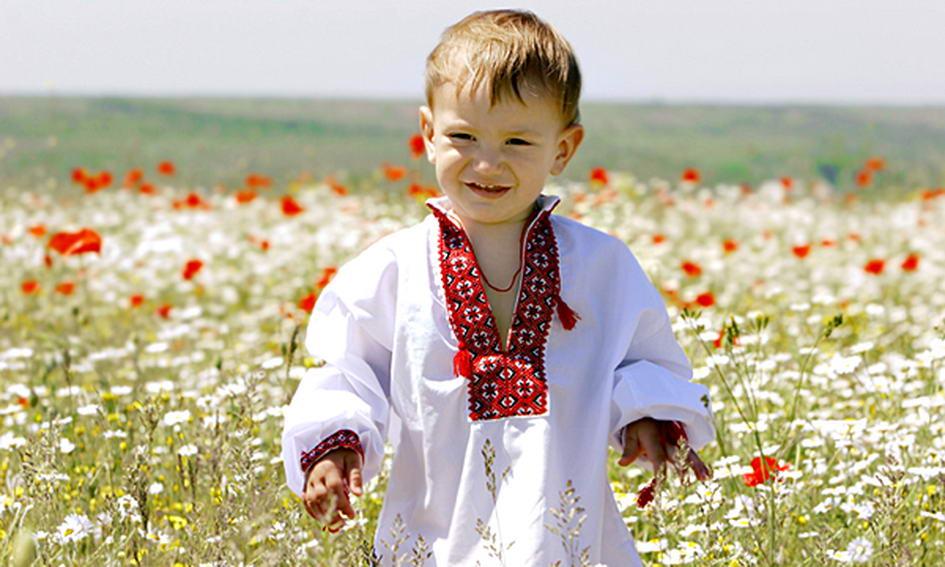 хлопчик у вишиванці