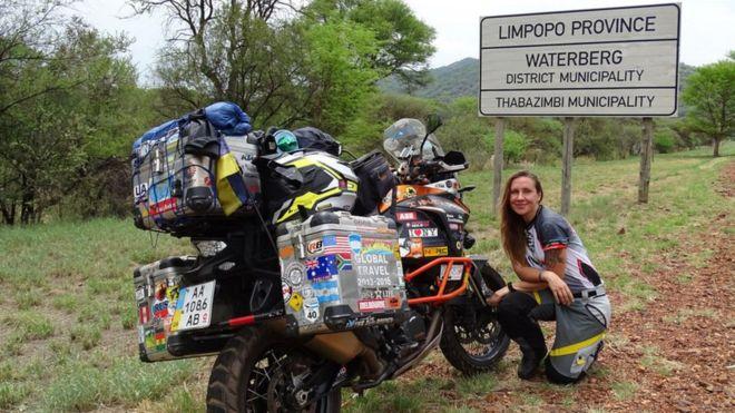 Анна Гречишкіна: Звідки я беру гроші? У мене є два партнери, які забезпечують мотоцикл і страхування життя. Решту я збираю сама: видала фотокнигу подорожі, збираю гроші, вигадую проекти