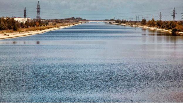 Північно-Кримський канал будувався як головна водна артерія Криму довжиною понад 400 км