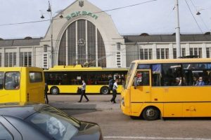 У столиці припинять роботу один автобус і одна маршрутка