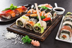 П'ятеро людей отруїлися суші в столичному ресторані
