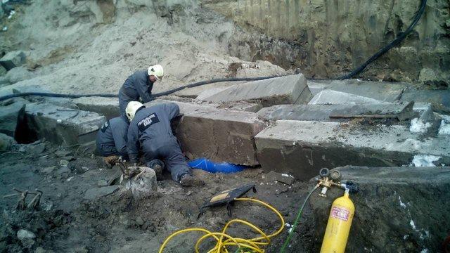 """Лікарі """"швидкої"""", які прибули на виклик, констатували смерть потерпілого. Фото: facebook.com/KARS.Kyiv"""