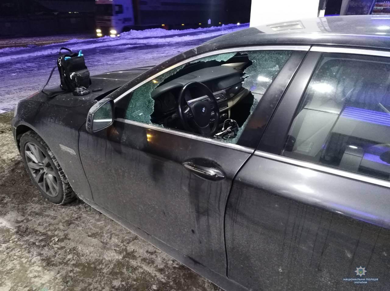 З автомобіля киянина вкрали 4 млн гривень і ноутбук (фото)