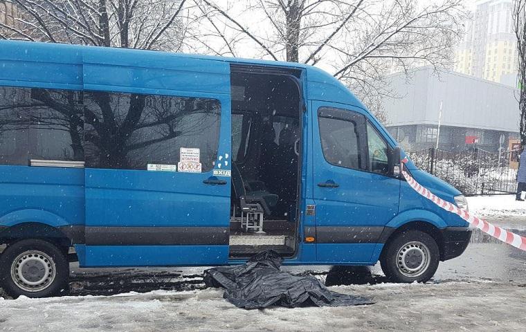 Через сварку в черзі на автобус вбили чоловіка (фото)