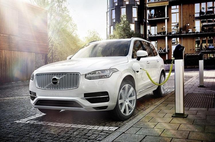 Volvo автомобіль електромобіль