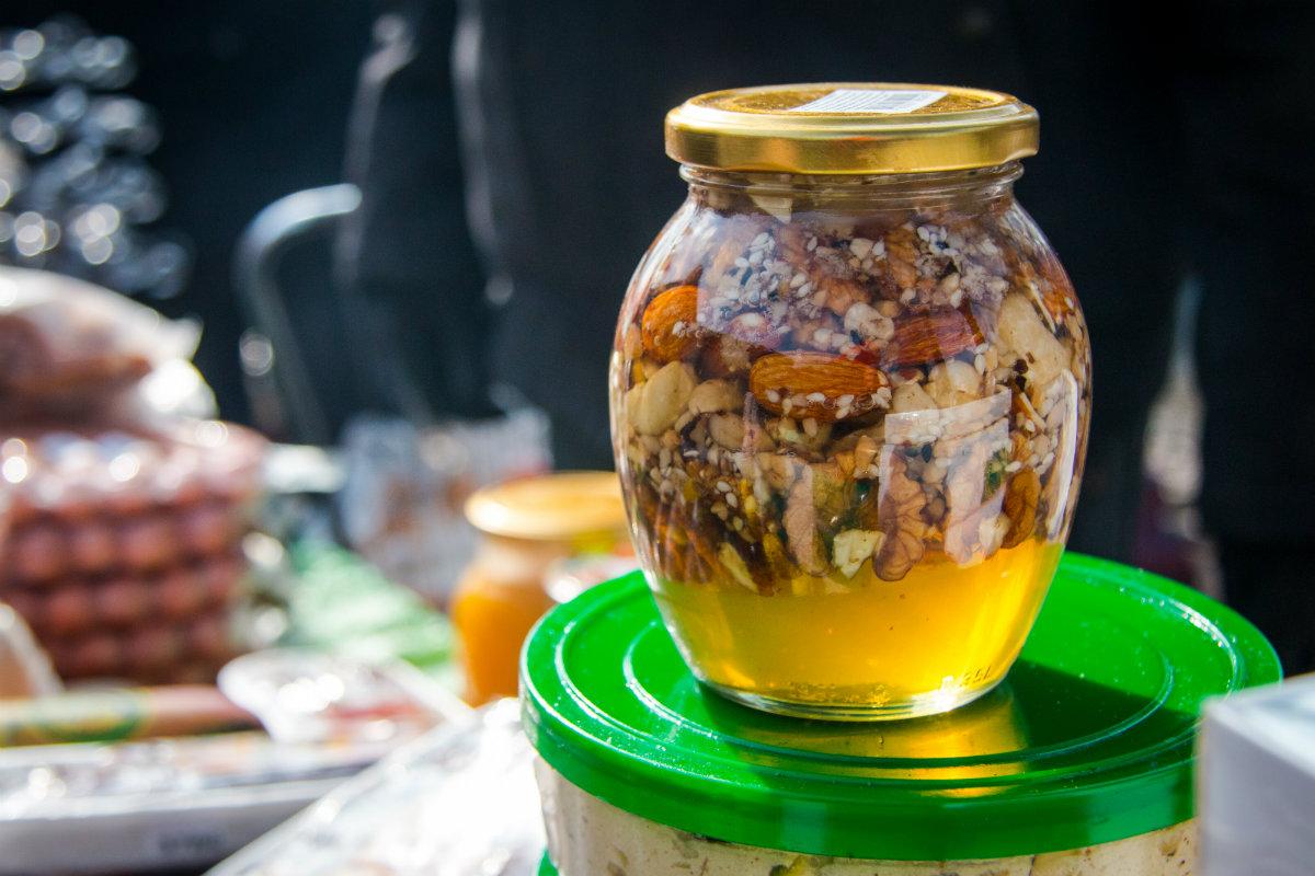 Узбецький плов та кебаб: у Києві помітили колоритний ринок мусульманської їжі (фото)