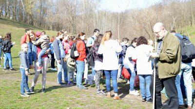 Активісти навели лад у Солом'янському парку (фото)