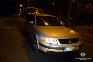 У Києві 18-річний водій побив битою поліцейського