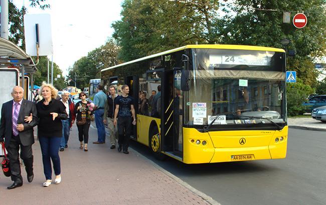 У Києві за кермом автобуса помер водій (фото)