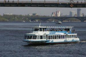 Київський річковий порт запускає прогулянки по Дніпру до Межигір'я