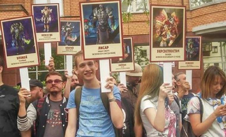 День Перемоги: в Києві пройшов марш «ветеранів WOW» (фото, відео)