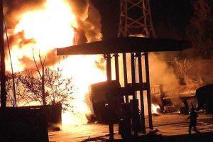 Під Києвом через розсіяного водія вибухнула заправка (відео)