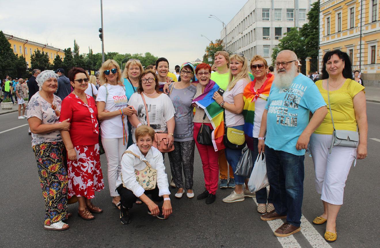 Коли син – гей: два дні з мамами ЛГБТ-дітей, які приїхали на Київпрайд