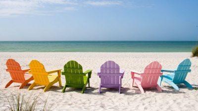 На столичні пляжі привезли пісок з Багам