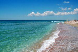 Де відпочивають українці: топ-10 курортів і місць всередині країни