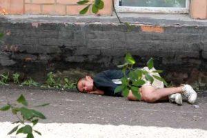 Українські парамедики закликали не викликати швидку безхатченкам