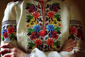 Таємничі коди предків: 12 головних символів української вишивки
