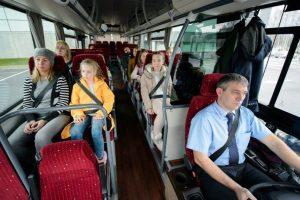 В Україні заборонять перевозити пасажирів в автобусах без ременів безпеки