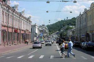Вулицю Сагайдачного очистили від реклами (фото)
