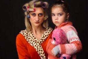 """Субсидіє, ти де?"""": Уродженка Закарпаття створила пародію на відомий український музичний хіт (відео)"""
