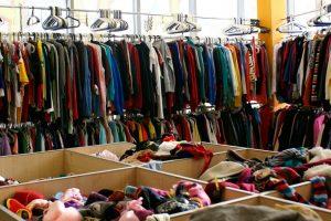У Дніпровському районі відкрили банк одягу для нужденних (фото)