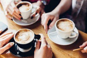Чим замінити каву: які напої бадьорять вранці та не шкодять здоров'ю