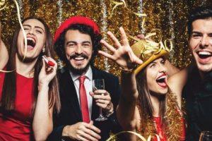 У чому зустрічати Новий рік 2019: колір і фасон святкового одягу