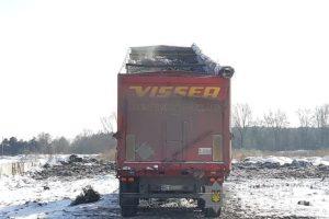 """На Київщині поліція затримала дві вантажівки з """"львівським сміттям"""" (ФОТО)"""