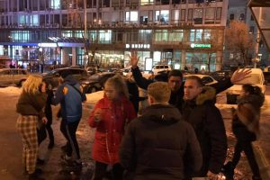 У Києві підлітки побили чоловіка поблизу метро (фото)