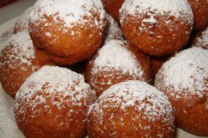 Секрети смачних пампухів із традиційною начинкою від Дарії Цвєк. РЕЦЕПТ