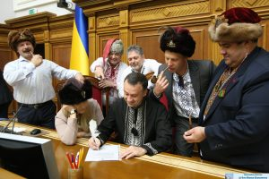 Українці хочуть зменшити кількість народних депутатів Верховної Ради до 100 чоловік