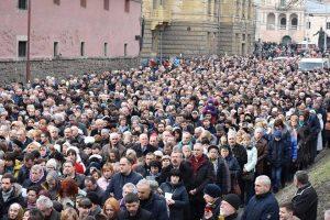 У Львові збирають підписи за заборону релігійних ходів містом