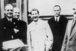 У мережі опублікували радянські оригінали «пакту Молотова — Ріббентропа» та секретного протоколу