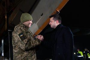 """""""Я віддам сто злочинців за одного українського героя"""" – Президент заявив про готовність битися за """"всіх наших"""""""